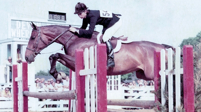 Sign The Card: National Show Hunter Hall Of Fame Inductee – AHSA Horse Of The Year Producer