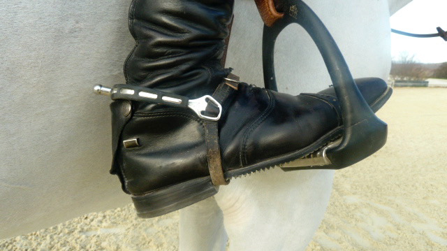 spur placement on riding boot